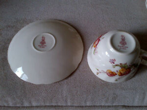 ROYAL DOULTON TEA CUPS AND SAUCERS Kitchener / Waterloo Kitchener Area image 2