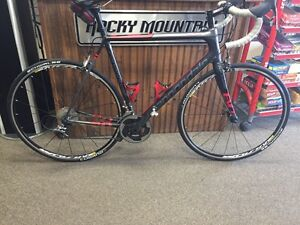 road bike cannondale red