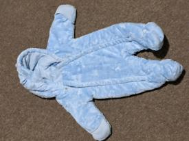 Newborn clothes. Pet/smoke free.