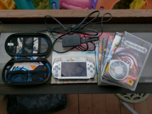 Sony PSP , games, carry case