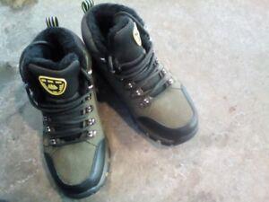 Genuine leather winter boots, women shoe size 9, $30