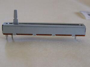 NEUF Slider / Potentiometre Mixer Yamaha MC1602 NEW Slide Fader