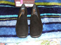 NEW-MR.SEYMOUR EARTH BLK SUEDE WOMENS SHOES