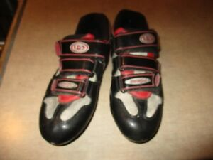 older louis Garneau road bike shoes VERY GOOD SHAPE  size 43