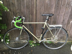 Vintage 10-speed Raleigh road bike