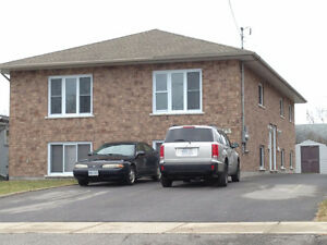 Students! Beautiful Four Bedroom! $525 Inclusive! May 1st