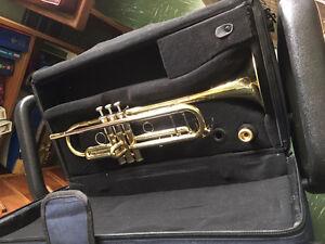 Musica Trumpet + Extras. Brand New