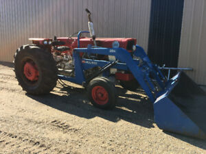 Massey 165 with 3PT and Loader