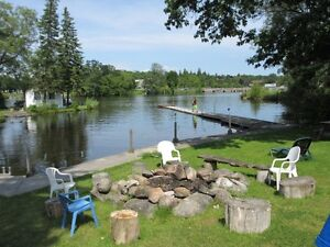 Cottages By The Bay-Rent 1 2 or 3 bedroom cottages (Newly renov)