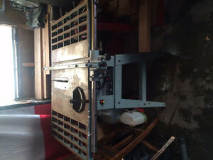 King Table Saw/Banc de scie King 10""