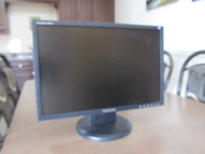 Samsung wide screen monitor- SyncMaster 940BW