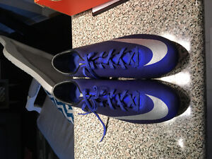 Brand New size 12 Nike Soccer Shoes