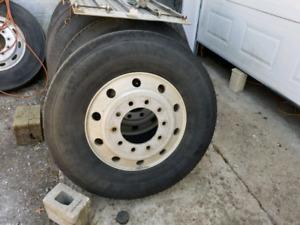 Alum wheels 11 22 and rear axles+fifth wheel