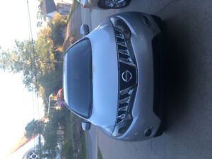 Selling Nissan Murano s series 2010