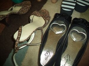 8 Pairs of Shoes Belleville Belleville Area image 4