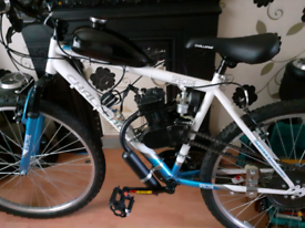 Assisted motorised bicycle