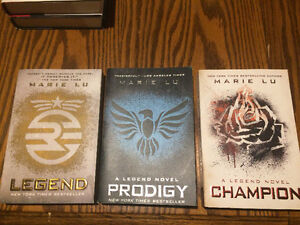 Legend Series by Marie Lu! Amazing condition!