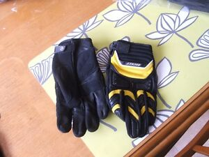 Insulated and non-insulated riding Gloves St. John's Newfoundland image 4