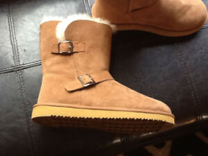Ladies Brand New Sz 9 Ugg Like Boots from Costco