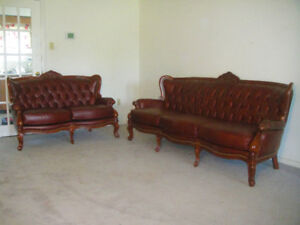 Antique style high end leather sofa set, delivery available