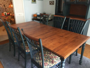 Shermag Dining Room Set With Hutch Buffet