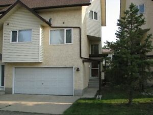AVAILABLE IMMEDIATELY - 3 BDRM TOWNHOME - South Edm off 91 str
