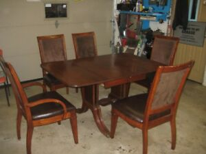 Antique Drop Leaf Dining Room Set