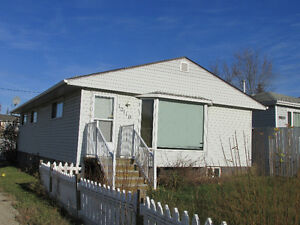 Well Maintained South Side Home for Sale - Peace River