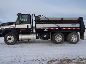 2011 International 7600 Gravel Truck