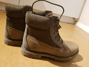 **HALF PRICE** SIZE 7 - WOMENS TIMBERLAND 6-IN WATERPROOF BOOTS