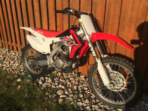 2016 Honda CRF450R like new purchased feb 2017! With ownership