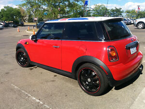 2008 MINI Cooper Hatchback *** GREAT ON GAS *** LOW MILEAGE !!!