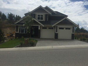 Large New Wilden Home With Suite
