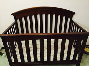 Delta Bently 4 in 1 Crib