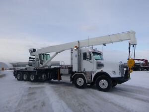 FREIGHTLINER 122SD TWIN STEER/TRI-DRIVE BOOM TRUCK-0 KMS!