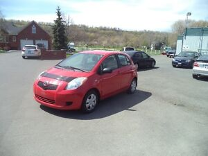 2007 TOYOTA YARIS LE Manual transmission..ONLY 100000KMS!!
