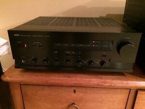 Yamaha AX-900U Integrated Amp