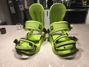 Union Force Snowboard Bindings (Green, Medium, Good condition)