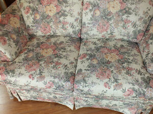 LOVE SEAT,.LIKE NEW,..CLEAN. Kitchener / Waterloo Kitchener Area image 7