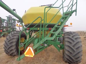 51ft John Deere 1820 Air Drill with 1900 Air Cart