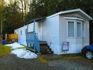 Cultus Lake...near all amenities! # beds/2 baths