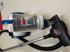 Bissell 12 amps small vaccum