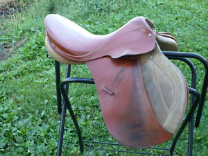 17 1/2 in German Made All Purpose Saddle- High Witheres