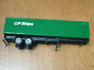 HO scale CP Ships container with chassis