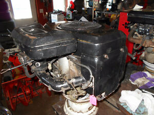 Briggs 16 hp twin opposed eng 4 garden tractor riding lawnmower