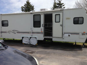 2000 Travel Trailer 30 feet with 12 foot Slide