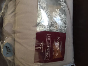 Fleece sheets- twin-new with tags