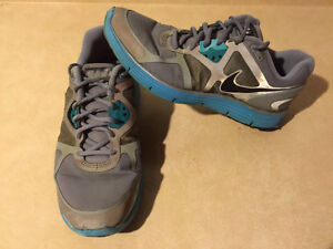 Women's Nike+ H20 Repel Linarglide 3 Running Shoes Size 9.5 London Ontario image 7