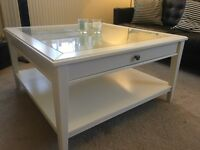STUNNING WHITE & GLASS TABLE VERY ELEGANT