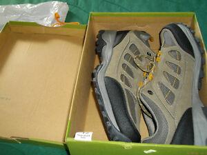 Brand new Rugged Outback walking and trail sneakers